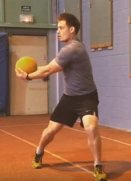 Medecine-ball exercice pour la puissance en rotation